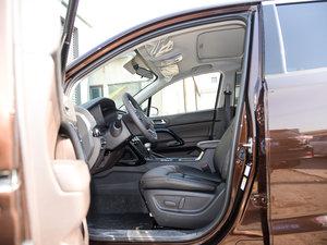 2017款235T 自动两驱豪华智联版 前排空间