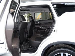 2017款235T 自动两驱尊贵版 后排空间