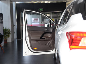 2017款235T G-DCT两驱豪华版 驾驶位车门