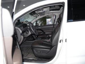 2017款235T G-DCT两驱豪华版 前排空间