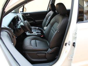 2017款200T 手动两驱精英版 前排座椅