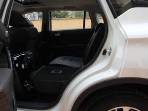2017款200T 手动两驱精英版 后排座椅放倒