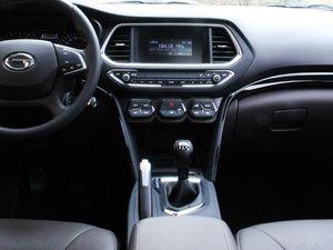 2017款200T 手动两驱精英版 中控台