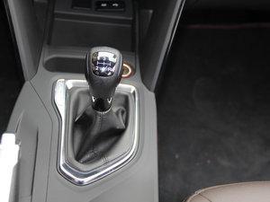 2017款200T 手动两驱精英版 变速挡杆