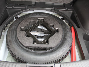 2017款200T 手动两驱精英版 备胎