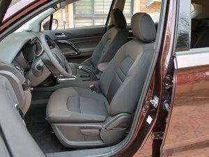 2017款200T 手动两驱舒适版 前排座椅