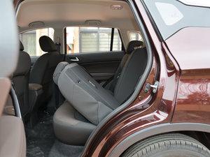 2017款200T 手动两驱舒适版 后排座椅放倒