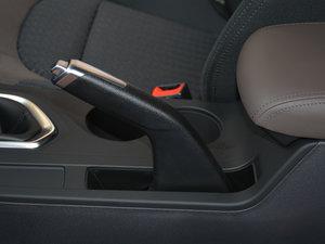 2017款200T 手动两驱舒适版 驻车制动器