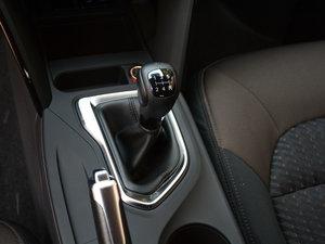 2017款200T 手动两驱舒适版 变速挡杆