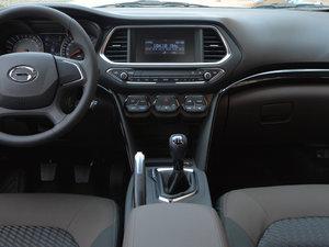 2017款200T 手动两驱舒适版 中控台