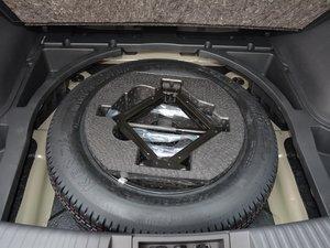 2017款200T 手动两驱舒适版 备胎