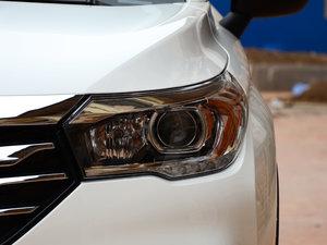 2017款200T 手动两驱豪华版 头灯