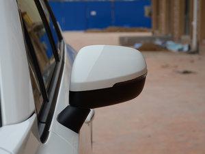 2017款200T 手动两驱豪华版 后视镜
