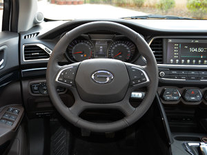 2017款200T 手动两驱豪华版 方向盘
