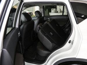 2017款235T 手动两驱豪华版 后排座椅放倒