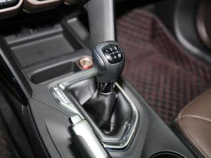 2017款235T 手动两驱豪华版 变速挡杆