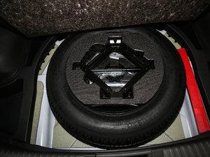 2017款235T 手动两驱豪华版 备胎