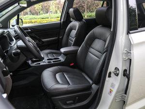 2017款235T 自动四驱豪华智联版 前排座椅
