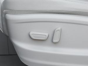 2018款320T 尊贵版 座椅调节