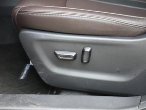2018款235T 自动两驱至尊版 座椅调节