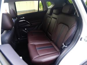 2018款235T 自动两驱至尊版 后排座椅