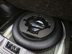 2018款235T 自动两驱至尊版 备胎