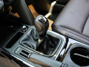 2018款200T 手动两驱精英版 变速挡杆