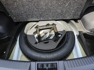 2018款200T 手动两驱精英版 备胎