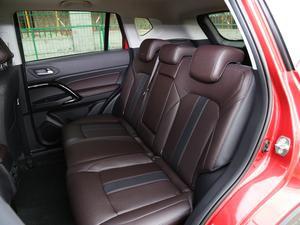 2018款235T 自动两驱精英版 后排座椅