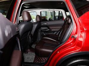 2018款235T 自动两驱豪华智联版 后排空间