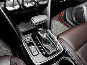 2018款235T 自动两驱豪华智联版 变速挡杆