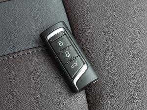 2018款235T 自动两驱豪华智联版 钥匙