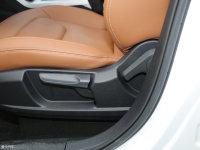 空间座椅奔腾X40座椅调节