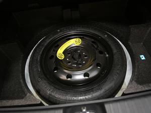 2019款1.6L 手动豪华型 备胎