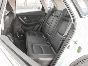 2017款1.6L 自动尊贵型 后排座椅