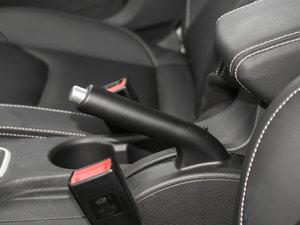 2017款1.6L 自动尊贵型 驻车制动器
