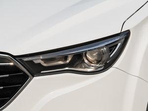 2017款1.6L 自动豪华型 头灯