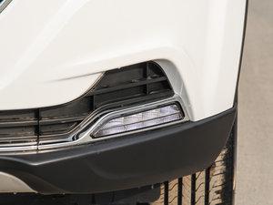 2017款1.6L 自动豪华型 雾灯