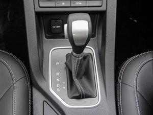 2017款1.6L 自动豪华型 变速挡杆