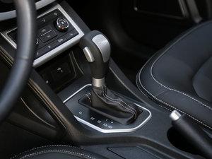 2017款1.6L 自动尊贵致酷型 变速挡杆