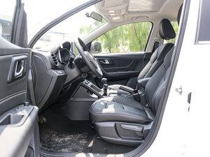 2017款1.6L 手动尊享型 前排空间