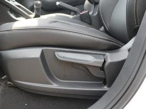 2017款1.6L 手动尊享型 座椅调节