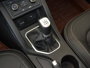 2017款1.6L 手动舒适型 变速挡杆