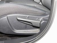 空间座椅奔腾B30 EV座椅调节