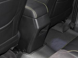 2018款1.6L 自动互联智酷型 空间座椅