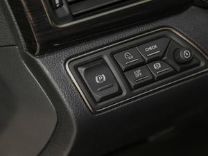2018款35T 精英版 驻车制动器