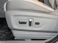 空间座椅宝骏RS-5座椅调节