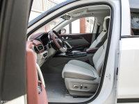 空间座椅宝骏RS-5前排空间