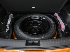 2019款1.5L 自动优享型 备胎