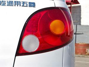 2012款改款 1.0L 手动P-TEC优越版 尾灯